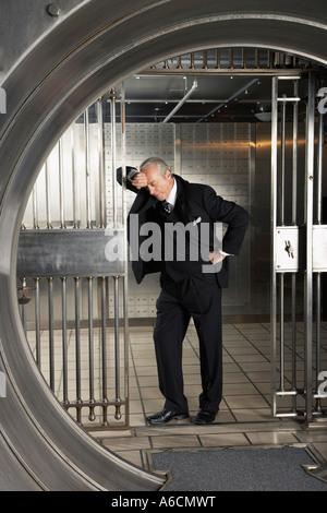 Dans l'homme de Banque Banque D'Images