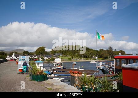 Co Kerry Kenmare Irlande l'Irlande. Pier et port sur l'estuaire de la rivière Kenmare