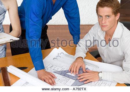 Sur les plans de travail de l'architecte Banque D'Images