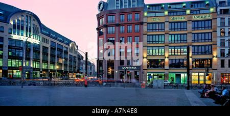 Nouveau marché Hackescher Markt hackesch avec tribunaux rénové résidence office business culture centre Panorama Banque D'Images