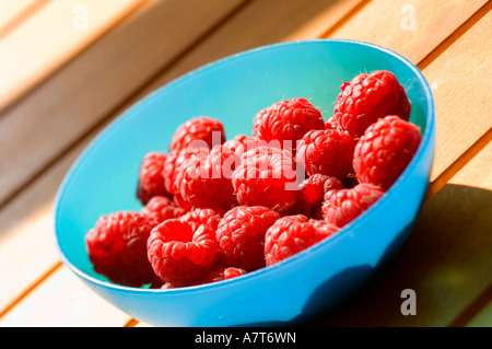 Close-up of Strawberries in bowl Banque D'Images