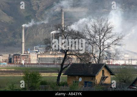 L'usine de plomb Sometra Copsa Mica est la ville la plus polluée d'Europe Avril 2007 Roumanie Banque D'Images