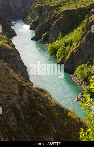Kawarau River à l'est de Queenstown, île du Sud, Nouvelle-Zélande. Banque D'Images