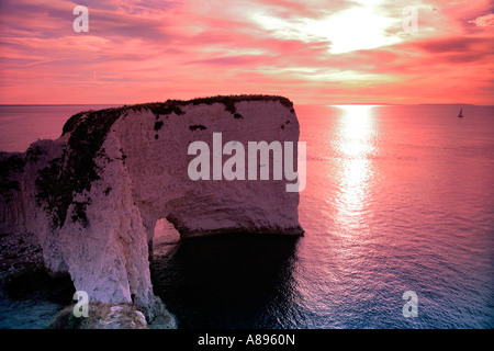 Dawn Old Harry Rocks Baie de Poole Dorset Angleterre Grande-bretagne littoral Jurasic UK Banque D'Images
