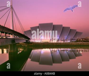 GB - Ecosse: crépuscule sur le Scottish Exhibition and Conference Centre à Glasgow Banque D'Images