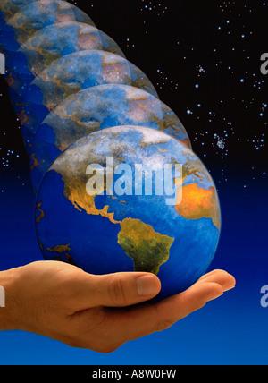 Montage Concept de la planète Terre planète rebondir dans la paume de la main de l'homme. Banque D'Images