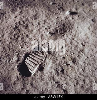 L'alunissage de la NASA. L'astronaute Neil Armstrong première étape empreinte dans le sol lunaire. Banque D'Images