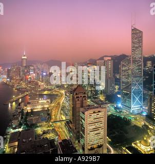 Vue sur le quartier central de nuit prise en 1992, l'île de Hong Kong, Hong Kong, Chine, Banque D'Images