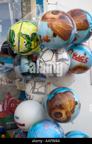 Boutique ballons sur la côte française Banque D'Images