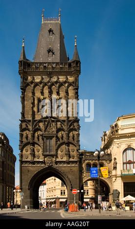 Tour Poudrière, l'entrée de la Vieille Ville, Prague, République Tchèque Banque D'Images