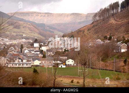 Une vallée galloise avec: VILLE ET NANT Y MOEL SOUTH WALES UK Banque D'Images