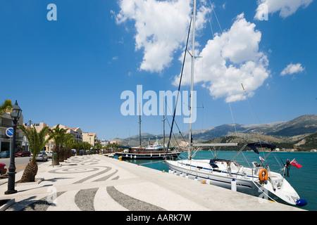 Port et promenade du front de mer, Argostoli, Kefalonia, îles Ioniennes, Grèce Banque D'Images