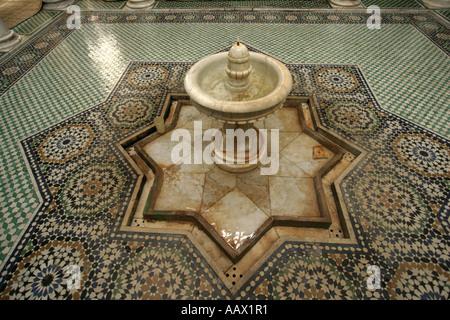 Détail de la mosquée de mausolée de Moulay Ismail, Meknès, Maroc Banque D'Images