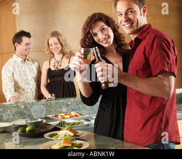 Les amis à dîner