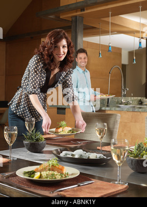 Les gens at Dinner Party
