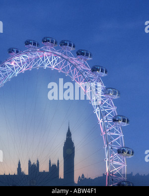 GB - Londres : le London Eye et Big Ben (Elizabeth Tower) par nuit Banque D'Images