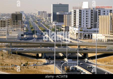 L'autopont DE LA CIRCULATION ET DE L'ARABIE SAOUDITE Riyadh 21989 Banque D'Images