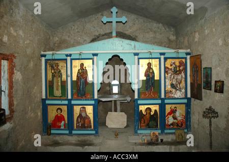 Intérieur de l'église orthodoxe construite sur le point le plus élevé de petite île près de l'extrémité d'Elafonissi Banque D'Images