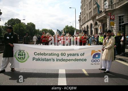 Célébrations dans Londres pour le jour de l'indépendance du Pakistan qui a eu lieu à Londres le samedi 28 juillet Banque D'Images