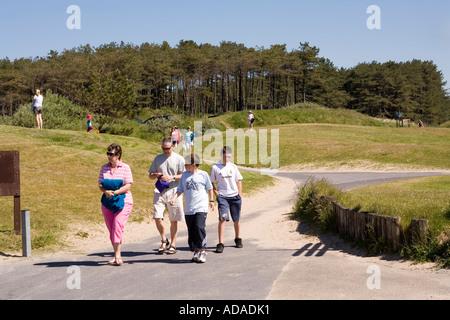 Pays de Galles Carmarthenshire Pembrey Country Park Cefn Sidan chemin de plage Banque D'Images