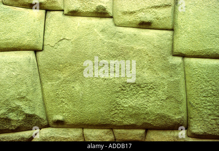 Célèbre 12 verso pierre du palais Inca Roca dans Hatunrumiyoc street dans la ville de Cusco Pérou Andes Banque D'Images