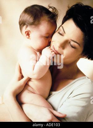 Bébé maman peau Banque D'Images