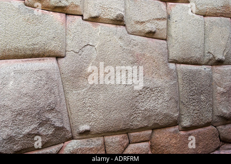 Célèbre 12 mur de pierre en face du Palais de l'Inca Roca [de], [la rue Hatunrumiyoc], Cusco (Cuzco), Pérou, Amérique Banque D'Images