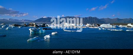 Le sud de l'Islande du sud de l'Islande Jokulsarlon Glacial Lagoon Rivière Vatnajokull icebergs flottant dans la Banque D'Images