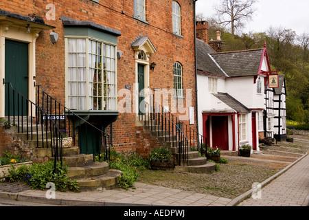 UK Wales Powys Montgomery Rue Arthur Vieille maison Magasins de la société civique dans le vieux musée Bell House Banque D'Images