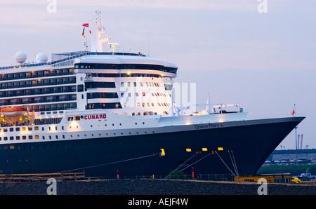 Queen Mary 2 visites Le port de Hambourg en juillet 2007, Hambourg, Allemagne Banque D'Images