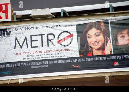 Affiche de film de Bollywood 'La vie dans un métro' avec Shilpa Shetty, Inde Banque D'Images