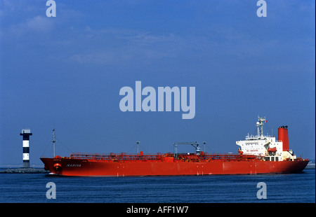 'Pétroliers Nariva' de quitter le port de Rotterdam, Hollande. Banque D'Images