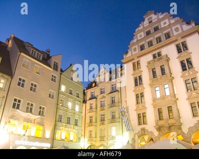 Allemagne Munich Platzl square à Hofbraeuhaus au crépuscule Banque D'Images
