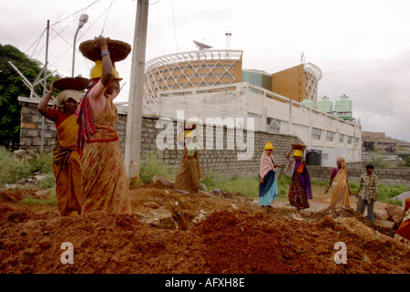 Inde Hyderabad Andhra Pradesh dans les travailleurs en Hi Tech City Banque D'Images
