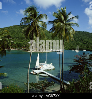 La location de catamaran à Marigot Bay, Sainte-Lucie, Caraïbes Banque D'Images