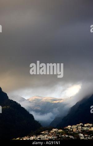 Nuages ciel de Funchal, Madeira, Portugal Banque D'Images