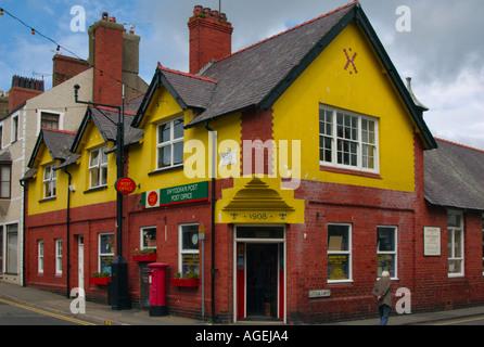 Bureau de poste colorés à Beaumaris Anglesey Pays de Galles Banque D'Images