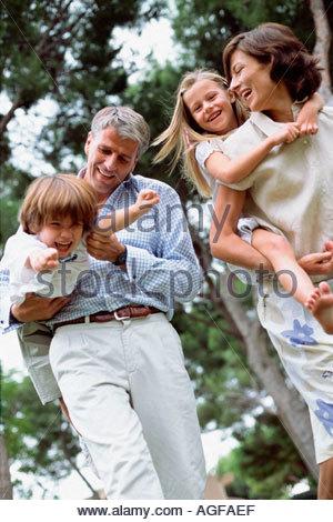 Portrait de famille heureuse Banque D'Images
