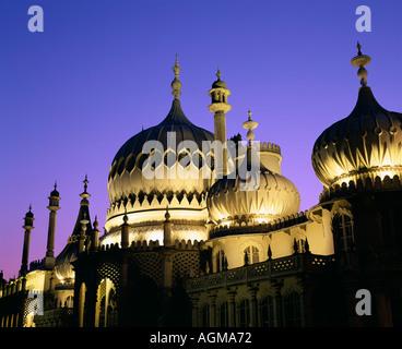Un crépuscule vue du Royal Pavilion, Brighton. Banque D'Images