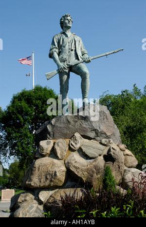 Statue commémorative du capitaine John Parker à Lexington Battle Green place du début de la Révolution américaine