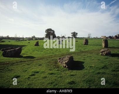 Restes de trois cercles en pierre dans le village de Somerset Stanton Drew Banque D'Images