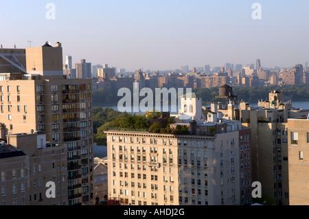 Vue sur Central Park le réservoir et l'Upper West Side de l'Upper East Side à New York dans l'ouest Banque D'Images