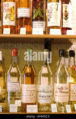 """Paris France, produits régionaux français bouteilles alcools dans 'Auvergne' dans 'Restaurant ambassade d'Auvergne"""" Banque D'Images"""