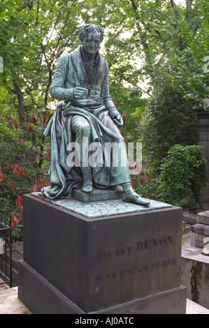 Tombe de Dominique Vivant Denon Baron de l'artiste française et archéologue à Pere Lachaise Paris France Banque D'Images