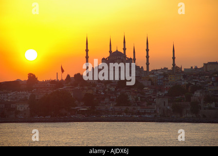 Istanbul coucher de soleil sur la Mosquée Sultan Ahmet ou Mosquée Bleue Banque D'Images