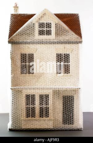 Modèle de chambre enveloppée dans l'enveloppe de bulle Banque D'Images