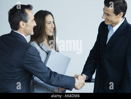 Les dirigeants d'shaking hands Banque D'Images