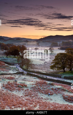 Frosty matin, peu de Langdale, Lake District, Cumbria, Angleterre Banque D'Images
