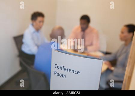 Businesspeople at meeting dans la salle de conférence Banque D'Images