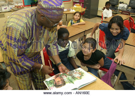 Floride, FL, Sud, Miami, Overtown, Frederick Douglass Elementary, enseignants, robe, tenue, costume littéraire, Banque D'Images
